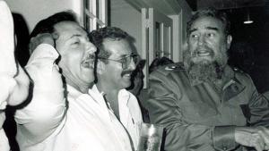 Norberto Fuentes diz que Revolução Cubana produziu valentões e que Fidel enviou Che Guevara pra morte