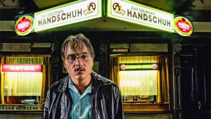 Filme alemão faz lembrar cinema da boca do lixo