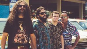 Sandoval Shakerman apresenta novas músicas e nova banda