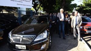 Marconi Perillo afirma que carros de luxo do governo não valem mais do que R$ 300 mil