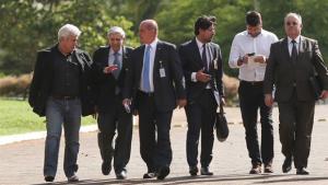 Bolsonaro se reúne com futuros ministros e ouve propostas