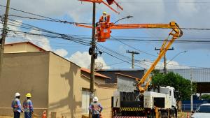 """Enel diz que trabalha """"ininterruptamente para garantir o fornecimento de energia a todos os clientes"""""""