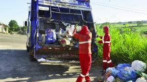 Até o final do mês, Goiânia deve contar com frota de 67 novos caminhões de lixo