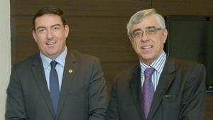 Presidente do TJ-GO recebe Medalha do Mérito Legislativo Pedro Ludovico Teixeira