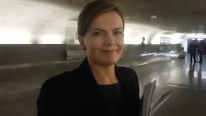 """Senadora do PT é questionada se """"está preparada para ser presa"""" e revida"""