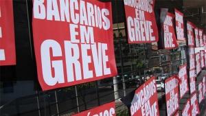 Bancários entram em greve e consumidores devem procurar alternativas para pagar contas
