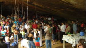 Desabamento de gruta no Tocantins durante missa deixa mortos e dezenas de feridos