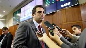 Gustavo Sebba mostra força e leva 18 prefeitos para reunião com Marconi Perillo