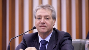 Justiça autoriza retorno de Helder Valin como conselheiro do TCE