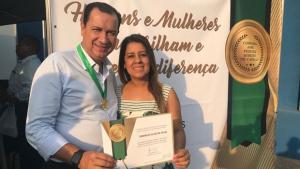 Hildo do Candango recebe comenda em Campos Verdes
