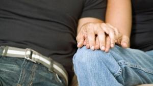 """Justiça permite que psicólogos tratem gays como doentes e promovam """"reversão sexual"""""""