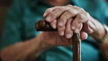25% dos idosos brasileiros moram com três ou mais pessoas