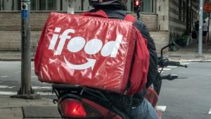 Ifood destina R$ 50 milhões em recursos para assistência de restaurantes parceiros e entregadores