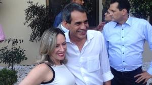 """Carlos Soares enaltece atuação de Adriana Accorsi e alfineta Delegado Waldir: """"Só barulho"""""""