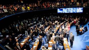 Senado aprova MP que muda regras de acesso ao seguro-desemprego e abono salarial