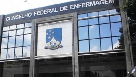 Conselho Federal de Enfermagem entrará com ação contra portaria que autoriza EAD em cursos da saúde