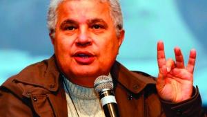 Ao criticar o ministro Joaquim Barbosa, o jornalista Ricardo Noblat demonstrou racismo? Talvez não