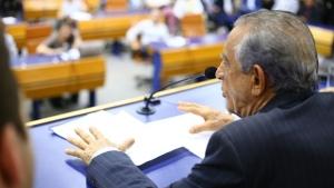 Vereadores articulam decreto para derrubar decisão monocrática de Iris sobre Uber