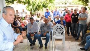 Iris e Caiado pedem votos a evangélicos e criticam uso da máquina do Estado