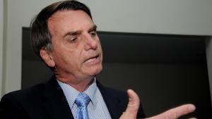Bolsonaro sugere que governo planeja atentado terrorista para permanecer no poder