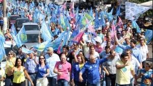 Jânio Darrot leva centenas de pessoas às ruas de Trindade em caminhada histórica