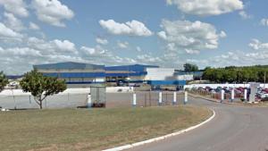 Funcionário da JBS morre após ficar preso em máquina de processamento de aves
