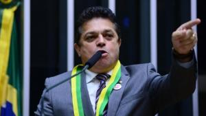 Deputado condenado em segunda instância é preso pela Polícia Federal