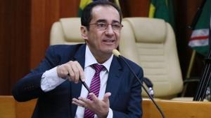 "Kajuru causa controvérsia ao anunciar como proposta ao Senado reabertura da ""Rádio K"""
