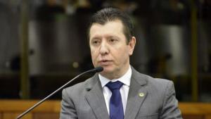 """José Nelto diz que sua conta no Twitter foi """"hackeada"""" e pede desculpas a ministro"""