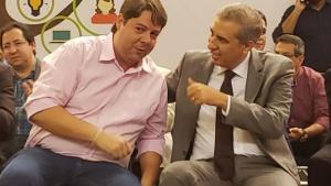 Deputado do PDT prestigia governo de Goiás enquanto partido anuncia apoio a Caiado