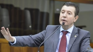 """Deputado diz que José Nelto """"mantém relações comerciais com políticos governistas e é volúvel"""""""