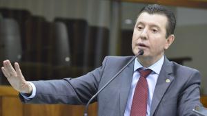 José Nelto filia Adib Elias, mas convida vereadores a deixarem o Podemos