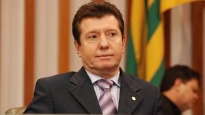 José Nelto pedirá expulsão de 20 prefeitos do PMDB