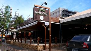 Levei amigos e amores ao Kabanas; pois é: o bar-restaurante do Setor Bueno fechou