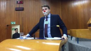Vereador protesta contra manobras de Iris para garantir aumento de IPTU