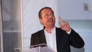 Dentista de Eduardo Campos considera inviável identificar corpos pela arcada