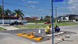 """Projeto determina instalação de """"lombofaixas"""" na frente de escolas e órgãos públicos"""
