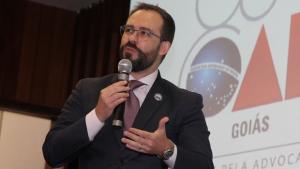 Conselho enterra promessa de campanha de Lúcio Flávio sobre lista sêxtupla