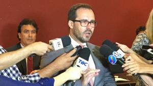 Defesa de Lúcio Flávio deve ser técnica e não política