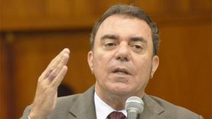 """Luis César Bueno: """"Presidenta Dilma precisa exonerar cúpula da Polícia Federal"""""""