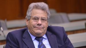 Senador diz que deve deixar o MDB, defende Adib Elias e afirma que Iris Rezende disputa a reeleição