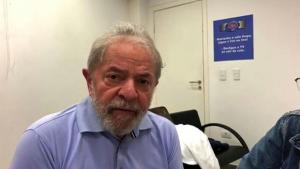 Ministro do STF permite Lula conceder entrevista na prisão