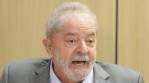 Advogados de Lula têm até o final da semana para responder à Justiça sobre semiaberto