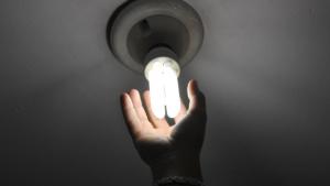 Conta de luz terá reajuste médio de 18,54% em Goiás