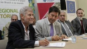 Em reunião de prefeitos, diretor do BNDES incentiva gestores a buscarem recursos