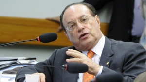 Maluf passa mal na Papuda e é transferido para hospital em Brasília