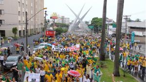 Governo de Goiás tomará providências para coibir violência contra manifestantes no dia 13