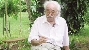 Manoel de Barros tem quadro estável, mas segue internado em UTI