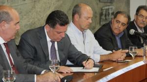 Acordo para construção de usina solar em Morrinhos é assinado