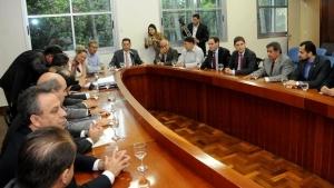 Deputados estaduais se reúnem com governador para discutir orçamento de 2017